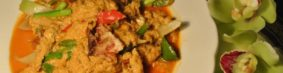 ปู่นิ่มผัดผงกระหรี่プーニムパッポンカリー(ソフトシェル蟹のカレー炒め)1300円